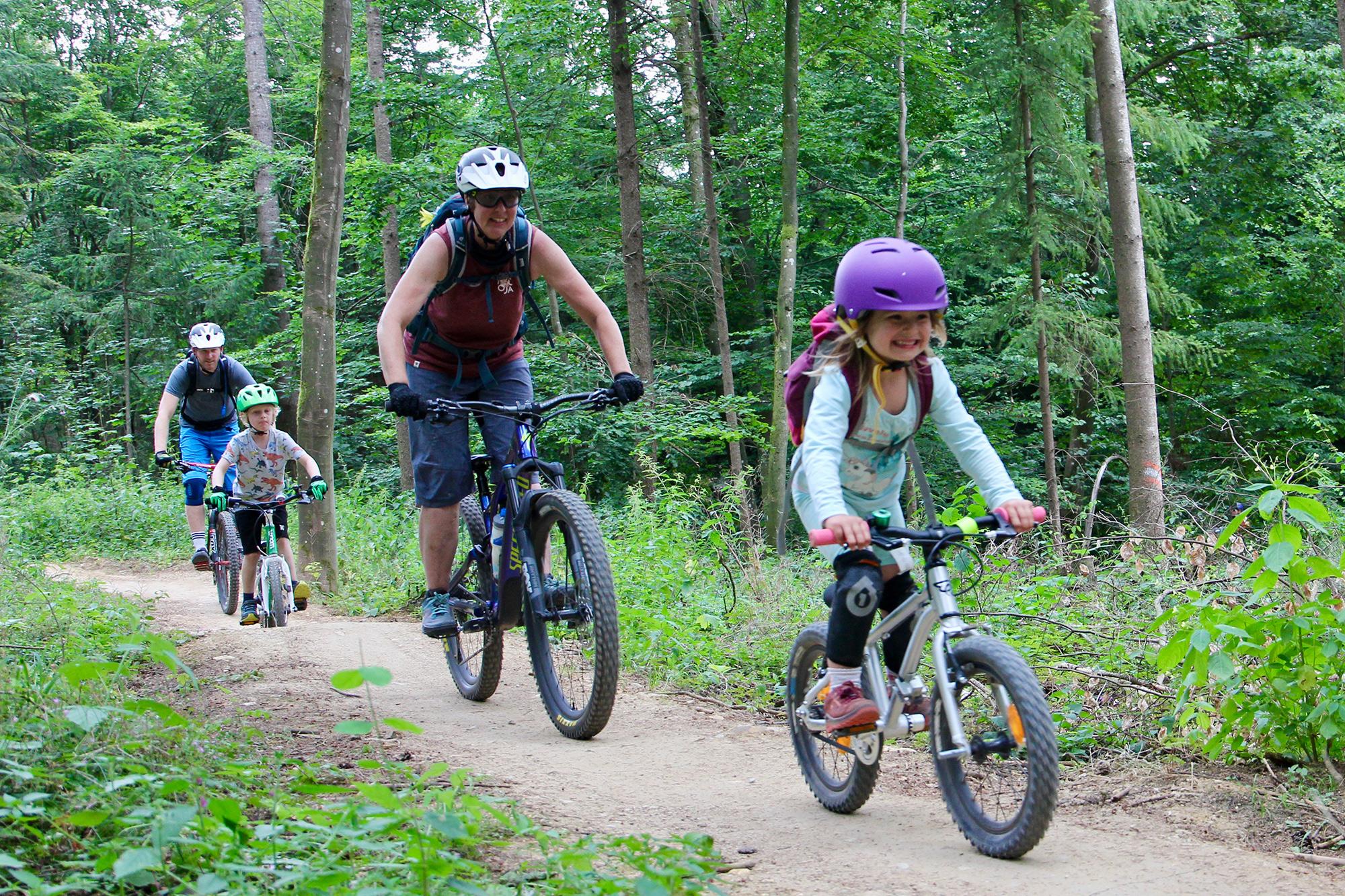 2020 08 2020 08 mountain bike con bambini happy trails